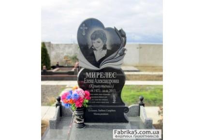 Женский памятник сердце с тюльпанами №12-005, Женские памятники