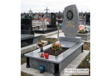 Фигурный памятник из серого гранита  №13-013, Памятники из серого гранита