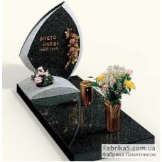 Итальянский памятник из черного гарнита №13-024,Фигурные Одинарные памятники