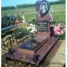 Памятник с сердцем из бордового гранита №14-021,Памятники с сердцем
