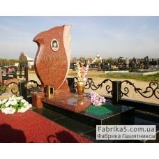 Элитный фигурный памятник из красного гранита №14-026,Памятники из красного гранита