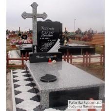 Оригинальный памятник с крестом из серого гранита №14-029,Памятники из серого гранита