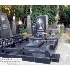 Престижный надгробный комплекс из черного гранита  №16-003,Памятники из черного гранита