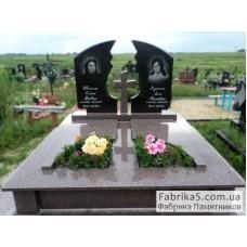 Двойной памятник из черного и бордового гранита №23-003,Памятники с крестом