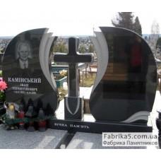 Двойной памятник с крестом и закрытыми надгробиями №23-007,Фигурные двойные памятники