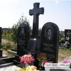 Двойной памятник с крестом из черного гранита №23-035,Фигурные двойные памятники