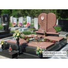 Элитный двойной памятник в виде сердца №24-043,Памятники из красного гранита