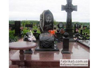 Гранитный гроб №42-008, Мемориальные комплексы