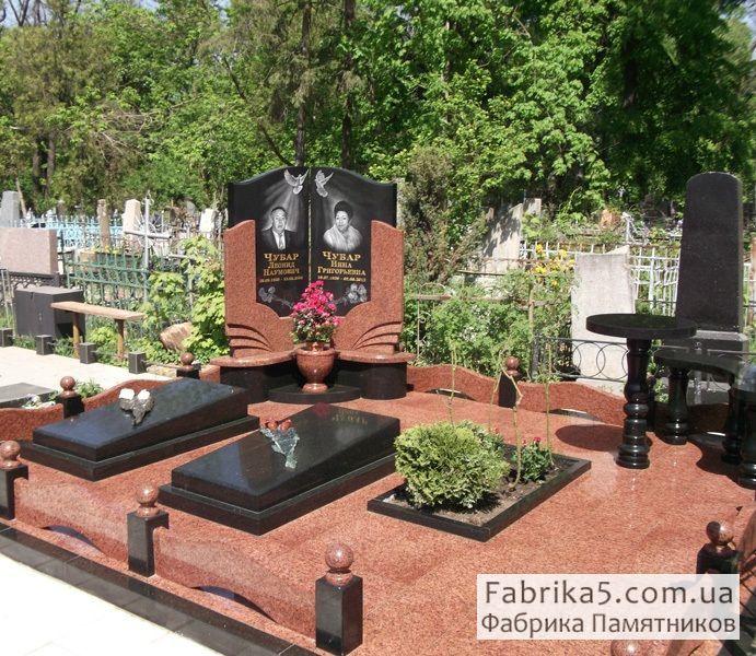 Мемориальный комплекс на могилу №42-001, гранитные комплекса, Фабрика Памятников