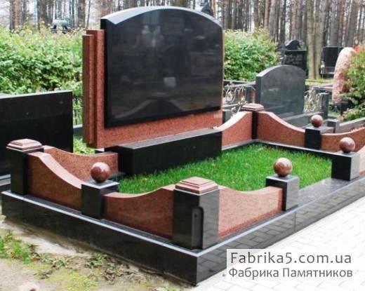 Цоколь и ограда на могилу №82-005, цоколя на кладбище, оградки на могилу, Фабрика Памятников