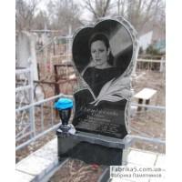 Памятник сердце и тюльпаны из гранита  №12-062