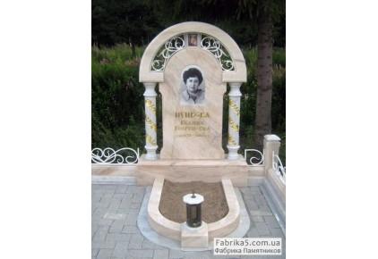 Эксклюзивный памятник из бежевого мрамора №14-093, Мраморные памятники