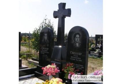 Двойной памятник с крестом из черного гранита №23-035, Двойные памятники
