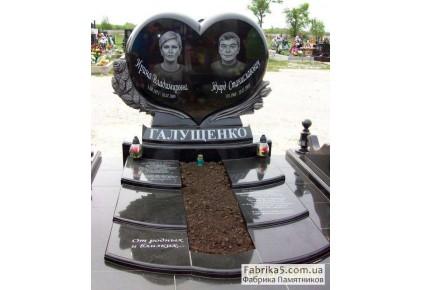 Двойной памятник в виде сердца с цветами №24-019, Двойные памятники