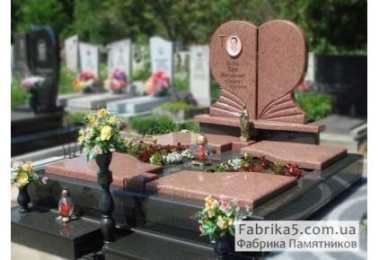 Элитный двойной памятник в виде сердца №24-043, Двойные памятники