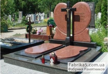 Элитный двойной памятник в виде сердца с крестом №24-044, Двойные памятники