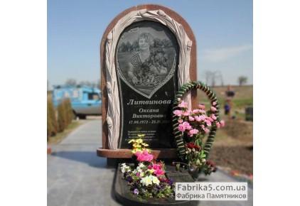Эксклюзивный женский памятник с цветами №24-049, Одинарные памятники