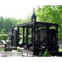 Семейный  пантеон-склеп на кладбище  №62-005